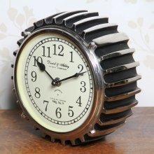 Metal Motor Table Clock