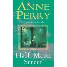 Half Moon Street (Inspector Pitt) (Paperback)
